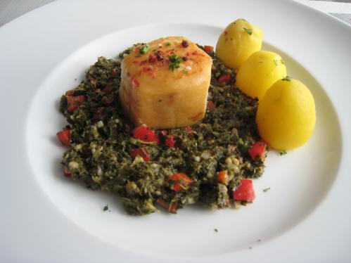 Geräucherter Butterfisch auf  Grünkohl mit Pinkel und Paprika