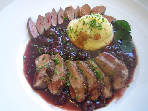 Barberie-Entenbrust mit Portwein-Kirsch-Sauce