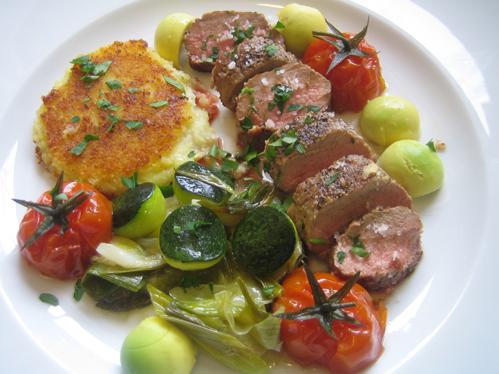 Heidschnuckenrücken an mediterranem Gemüse