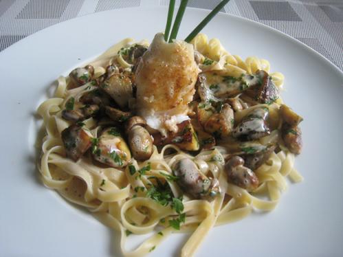 Limandesroulade mit Steinpilzen im Pastanest