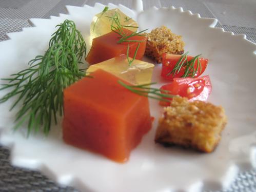 Zweierlei oder Dreierlei von der Tomate mit Graubrotcroutons ...
