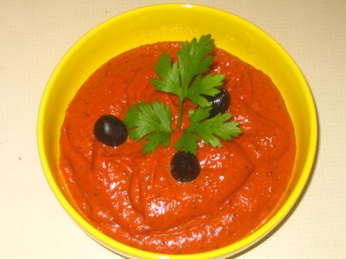 Mediterranes Tomaten-Oliven-Püree