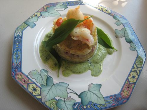 Riesengarnele und Nordseekrabben mit Spitzkohl und Bärlauchsahne