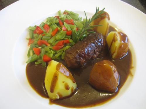 Schrats winterliche Roastbeefrouladen mit viel Sauce