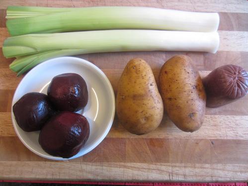 fast vegetarisch kartoffeln rote bete lauch und ein bisschen blutwurst chefkoch schrats rezept. Black Bedroom Furniture Sets. Home Design Ideas