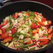 Spargel-Erbsen-Erdbeeren-Salat