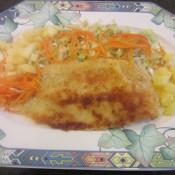 Merlanfilet mit Pankokruste auf Spitzkohl mit Möhrenjulienne