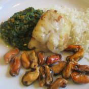 Seeteufel und Miesmuscheln mit Spinat-Möhren-Gemüse