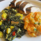 Grünkohl auf indische Art mit Hähnchenbrust und Süßkartoffelpüree
