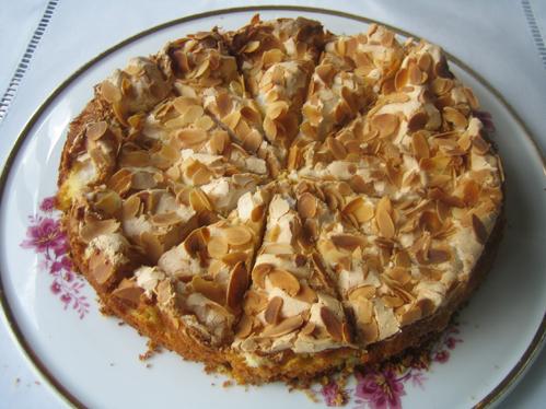 Stachelbeer-Sahne-Baiser-Torte